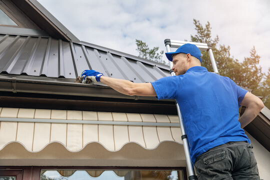 Gutter Cleaning Service in Solana Beach